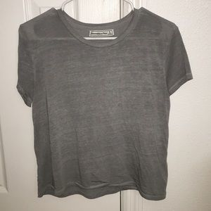 • ABERCROMBIE & FITCH CROP TEE •